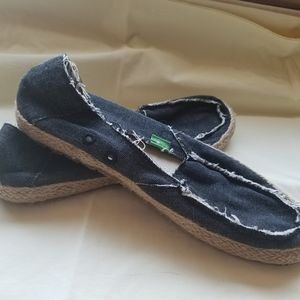 Sanuk shoes